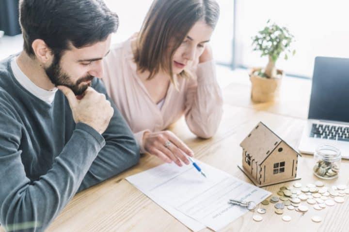 Sprzedaż mieszkania domu z kredytem hipotecznym